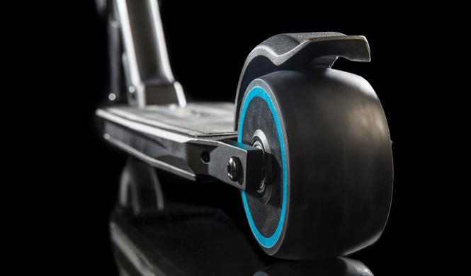 patinete peugeot e-kick rueda