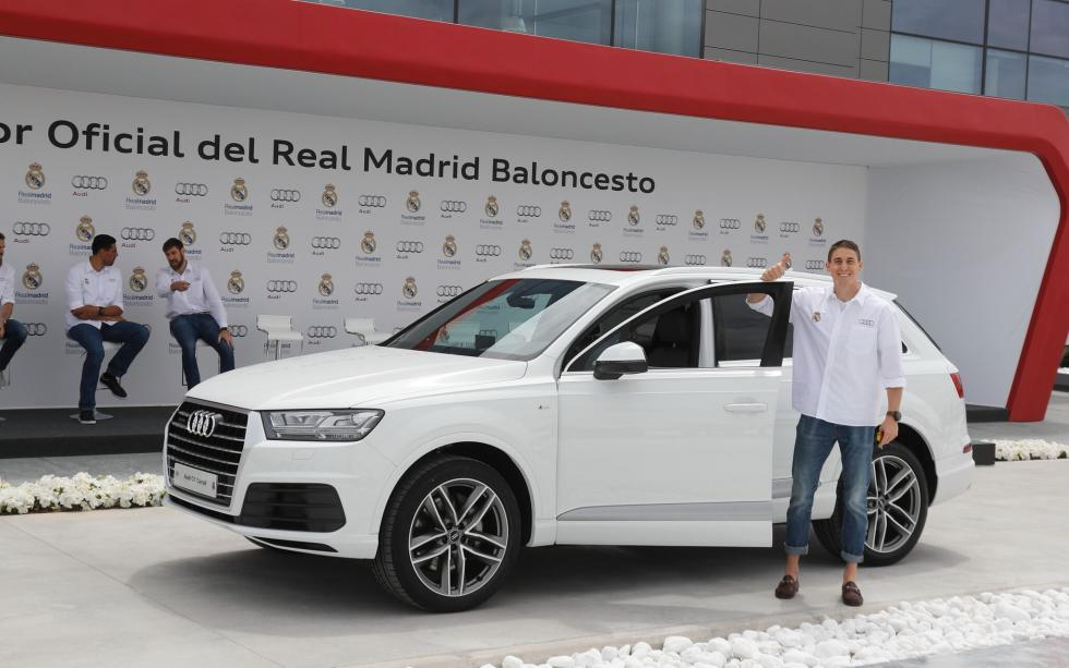 Audi entrega gama a plantilla de Baloncesto del Real Madrid Carroll