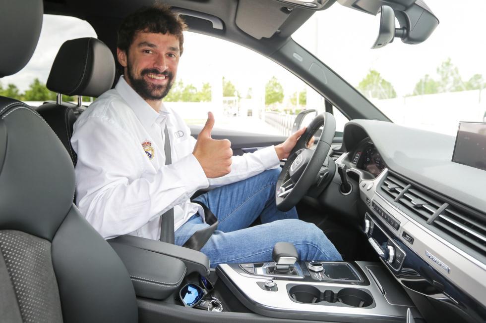 Audi entrega gama a plantilla de Baloncesto del Real Madrid Sergio LLull interio