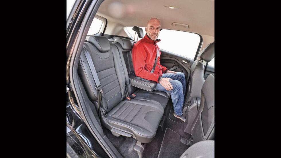 Ford Kuga asientos traseros