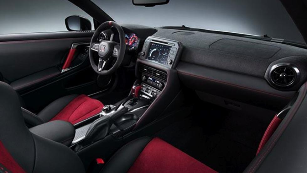 Nissan GT-R Nismo 2017 interior