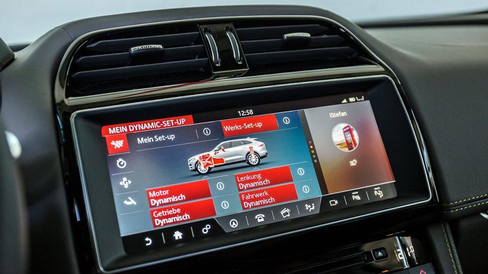Jaguar F-Pace interior pantalla