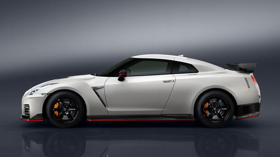 Nissan GT-R Nismo 2017 lateral deportivo