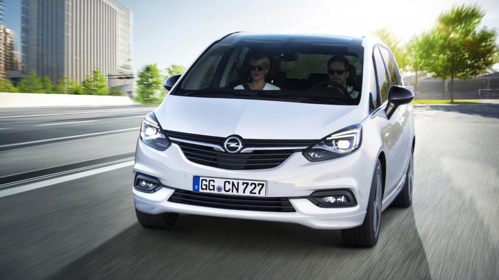Opel Zafira Tourer 2016 movimiento