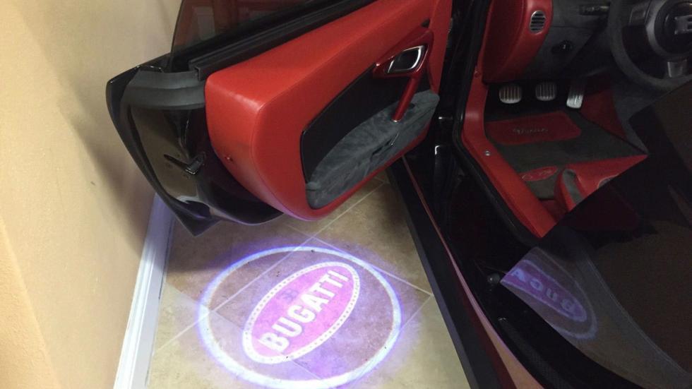subasta réplica Bugatti Veyron puerta