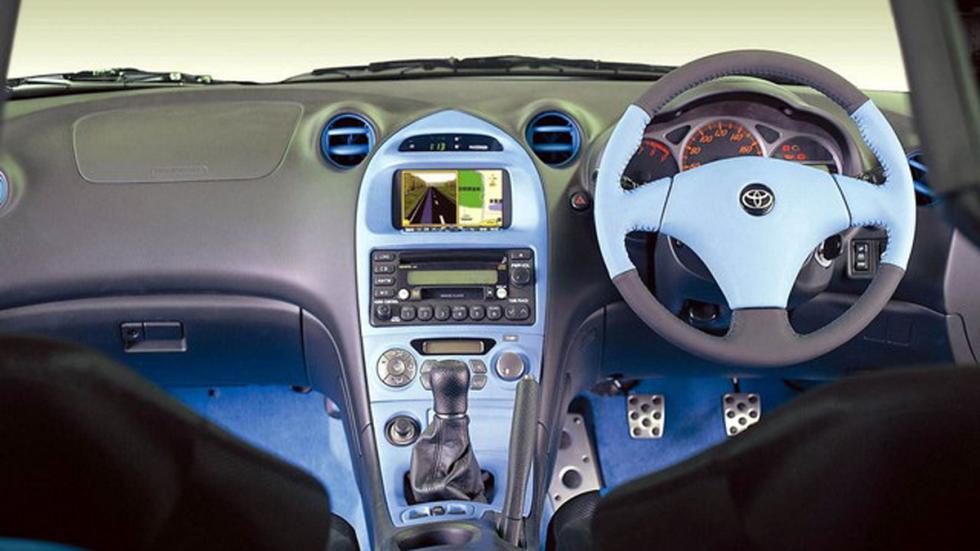 Toyota Celica Cruising Deck de 1999 interior
