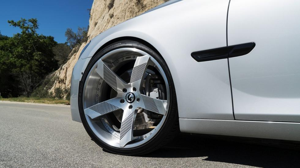 BMW Serie 7 llantas Forgiato gris