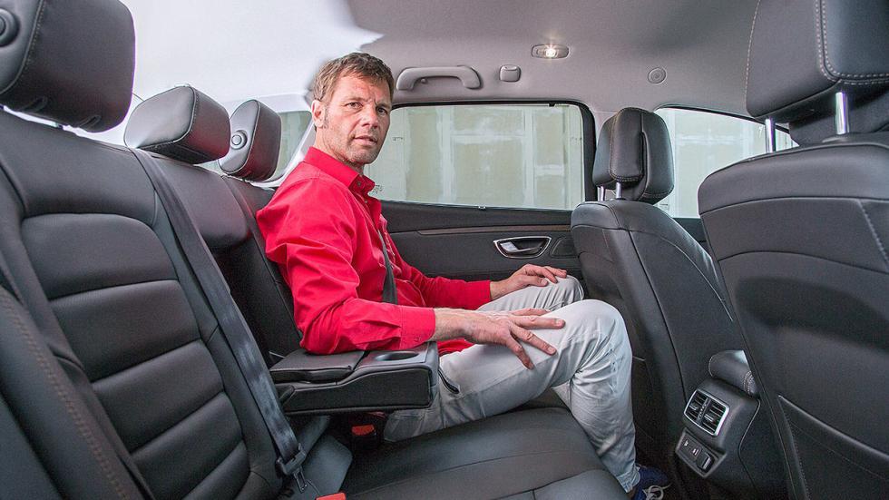 Renault Talisman Sport Tourer interior detalle traseras