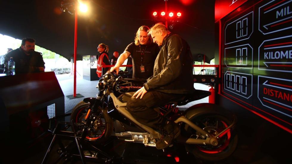 Harley-Davison-Project-LiveWire-eléctricas-prueba-clientes