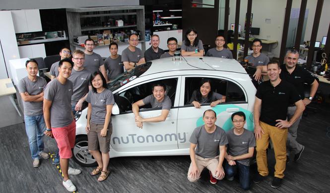 taxi sin conductor compite coche autonomo google equipo