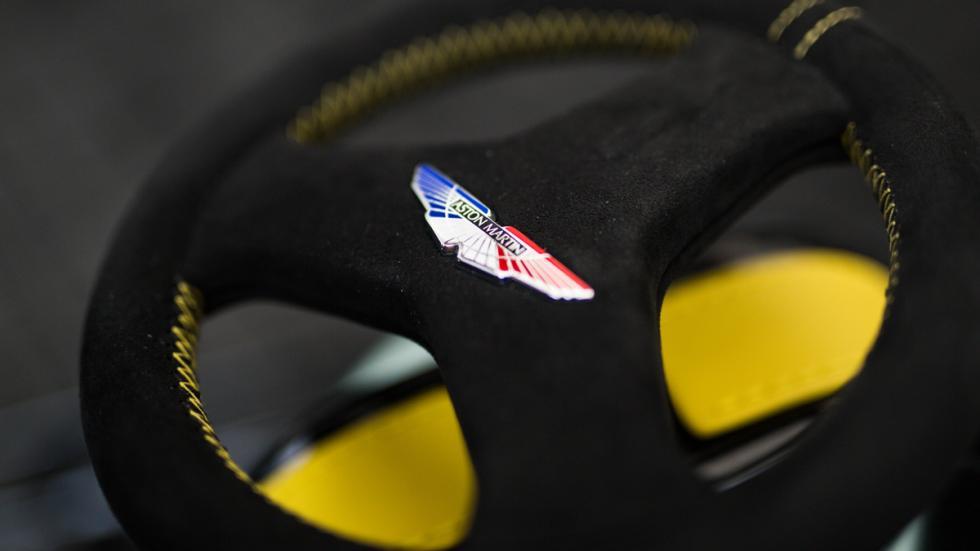 Aston Martin Razor Crazy Cart detalle volante