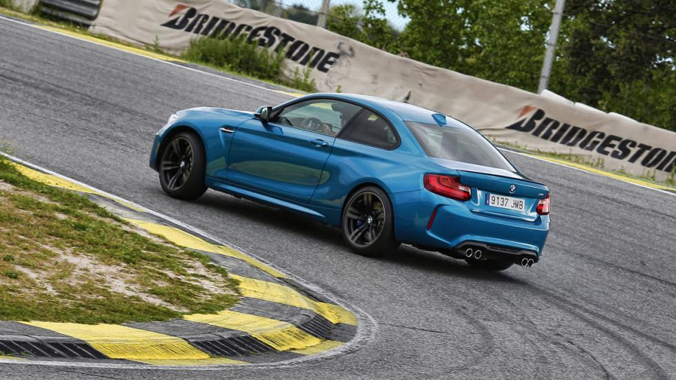 BMW-M2-Coupe-curva