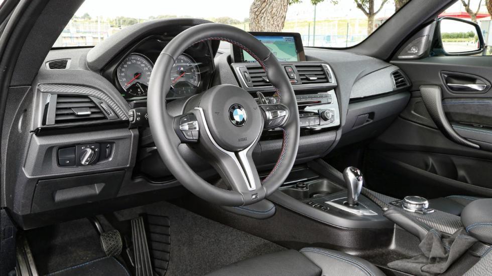BMW-M2-Coupe-salpicadero