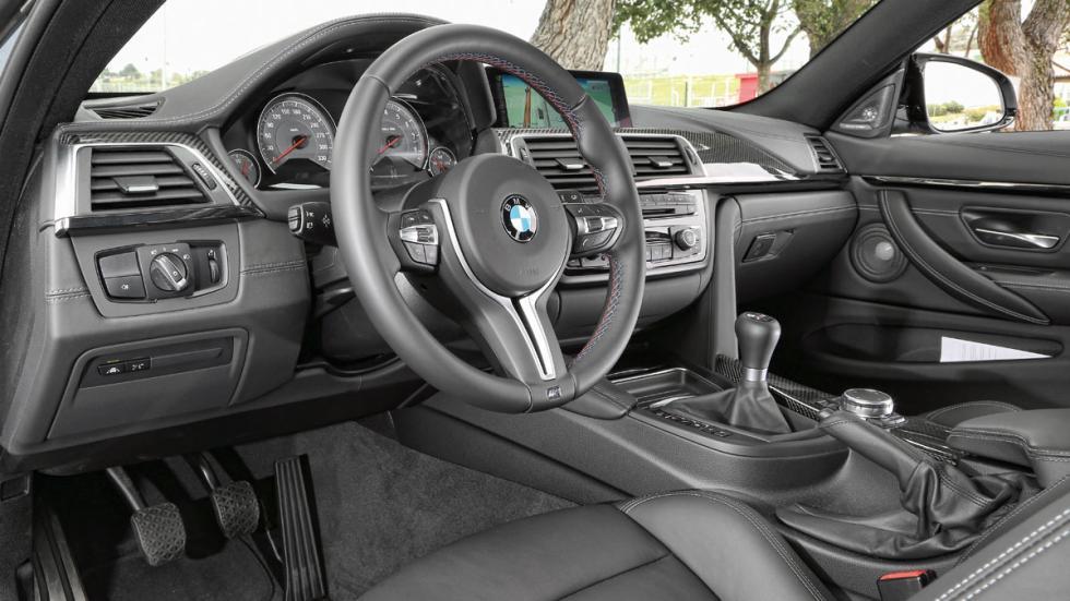 BMW-M4-Coupe-salpicadero