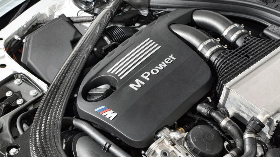 BMW-M4-Coupe-motor