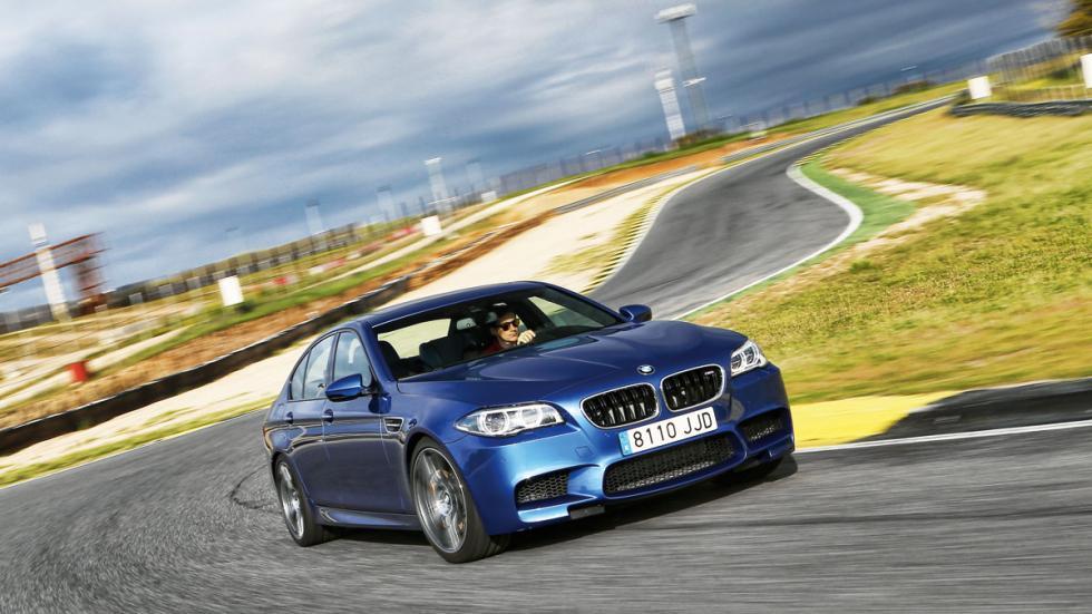 BMW-M5-tres-cuartos-delantera-curva