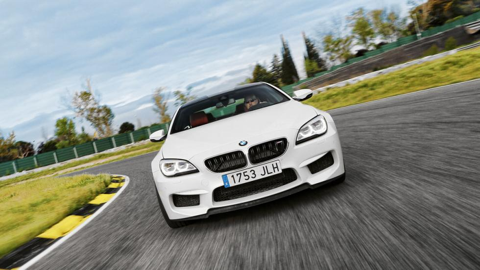 BMW-M6-frontal-curva