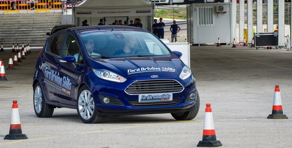 Ford-Conduce-Tu-Vida-1