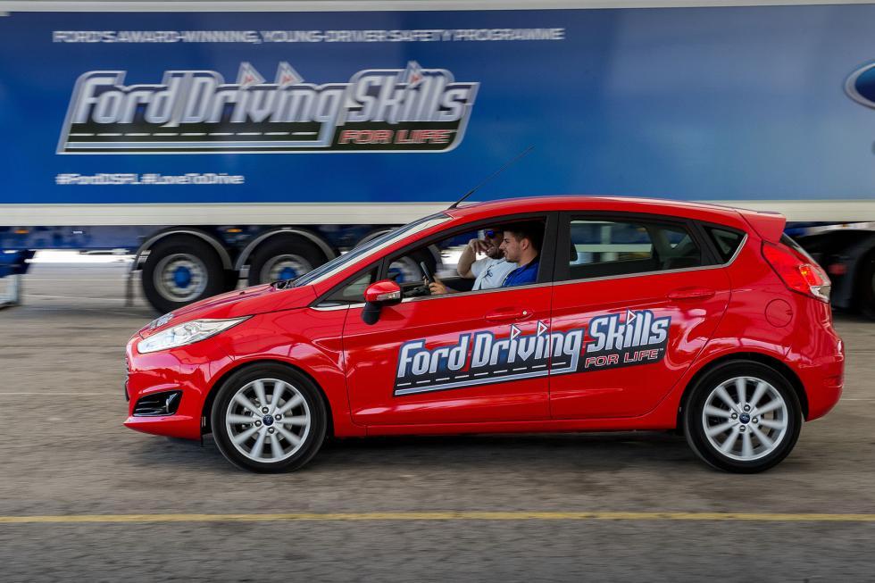 Ford-Conduce-Tu-Vida-8