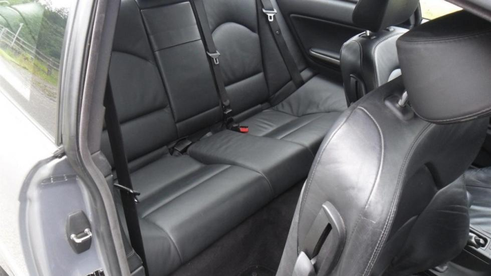 BMW E46 M3 V10 asientos traseros