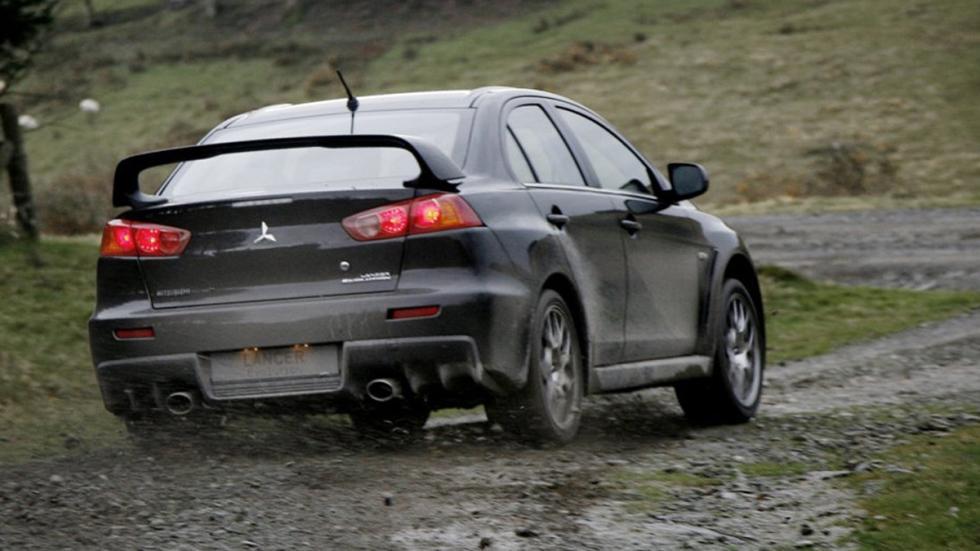 identifica-coches-por-sus-faros-pilotos-Mitsubishi-lancer-evolution-x-zaga