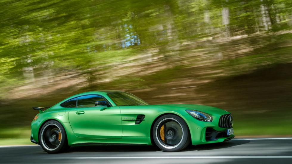 Mercedes-AMG GT R lateral