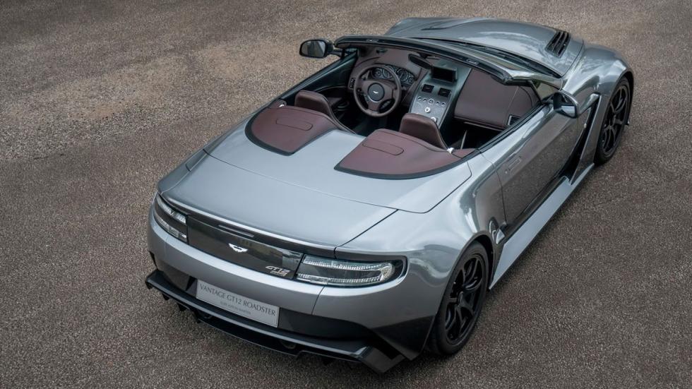 Aston Martin Vantage GT12 Roadster trasera