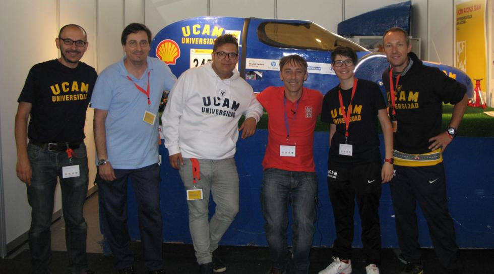 miembros equipo UCAM con autobild.