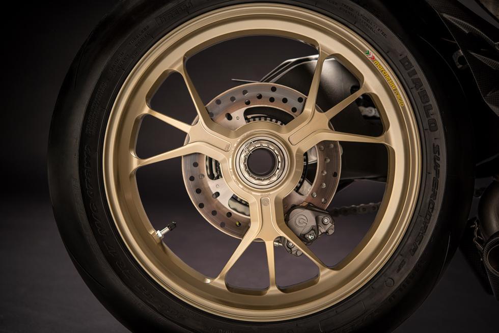Ducati-1299-Panigale-S-Anniversario-5