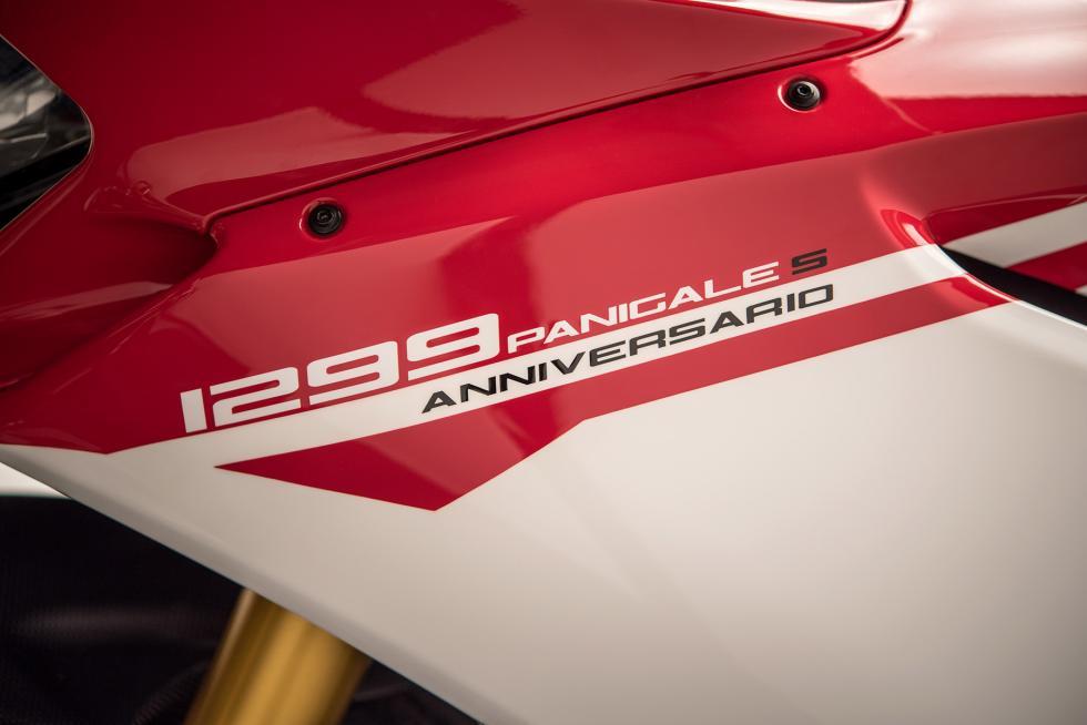 Ducati-1299-Panigale-S-Anniversario-21