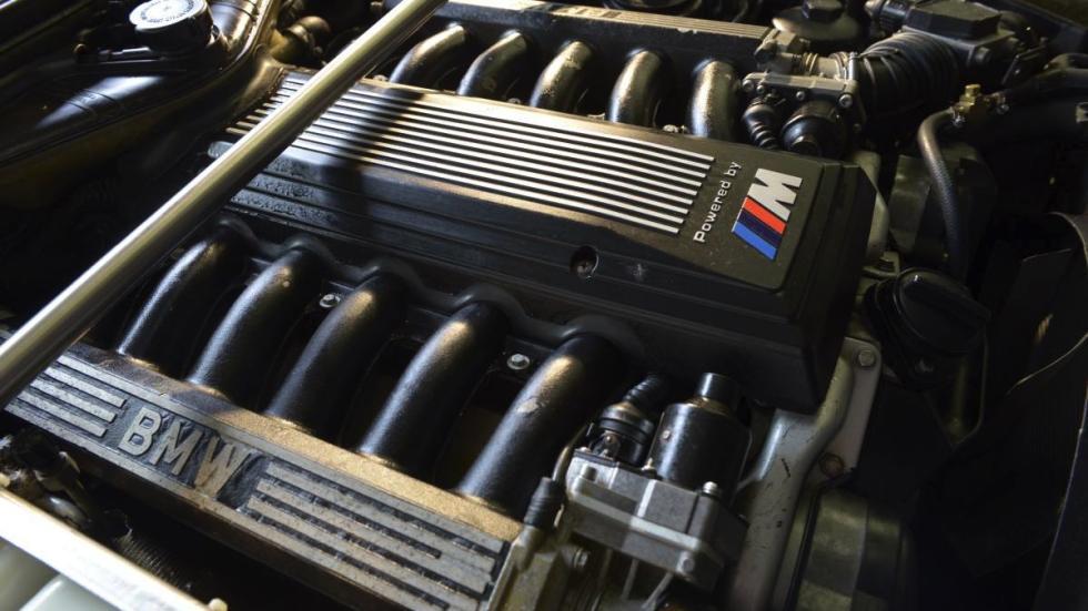 BMW M5 V12 motor