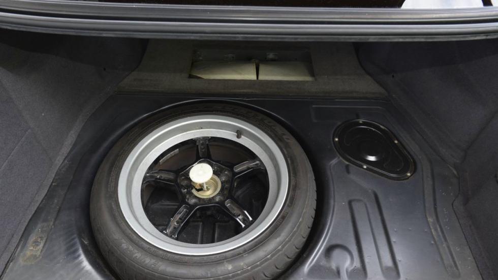 BMW M5 V12 rueda repuesto