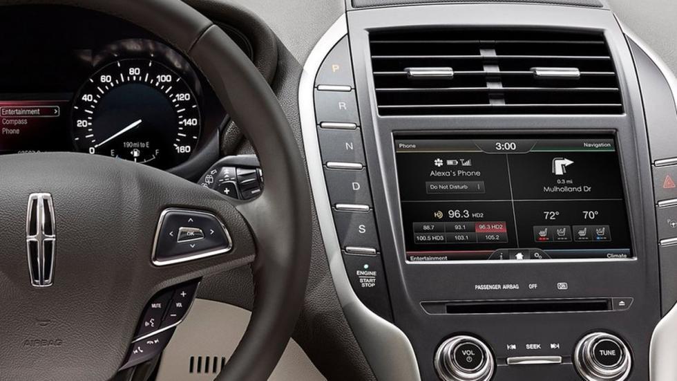 opciones-inútiles-coches-botones-transmisión