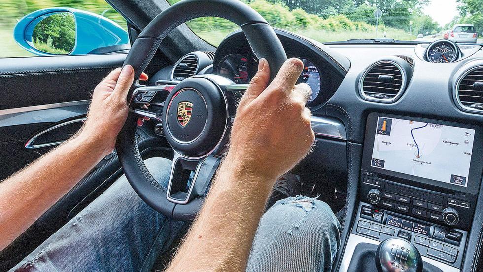 Prueba: Porsche 718 Cayman 2016 volante