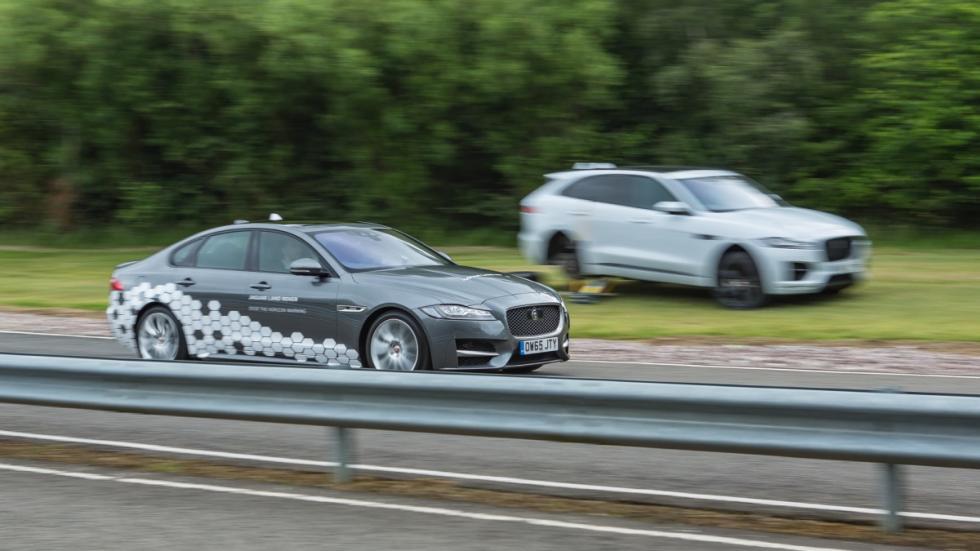 Alertas-Over-the-Horizon-Warnings-Jaguar-Land-Rover