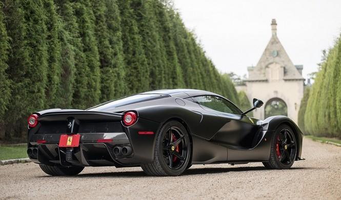 Ferrari LaFerrari negro mate subasta