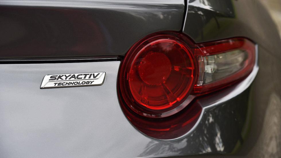Mazda MX-5 RF piloto