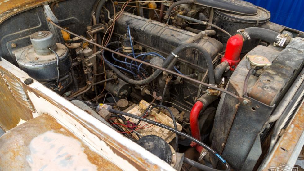 motor Land Cruiser de 1967 para restaurar