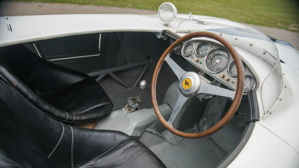 Ferrari 750 Monza interior