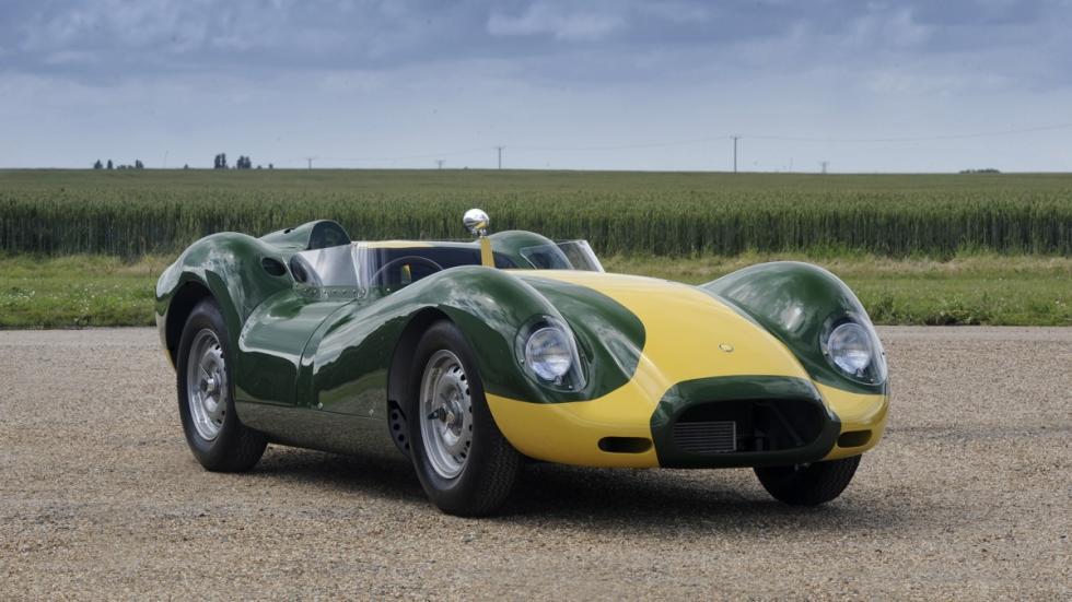 Lister Jaguar Knobbly Stirling Moss tres cuartos