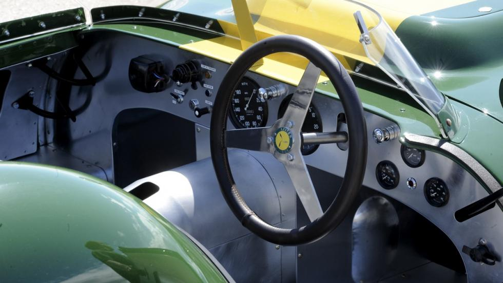 Lister Jaguar Knobbly Stirling Moss volante