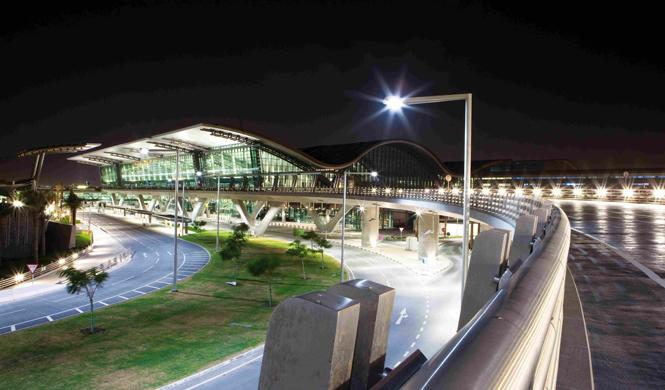 aeropuerto hamad doha terminal noche