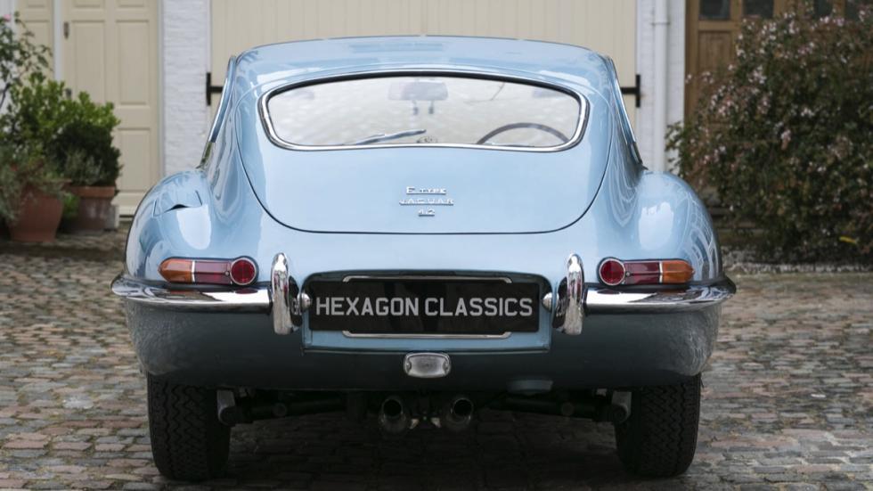 Jaguar E-Type FHC trasera
