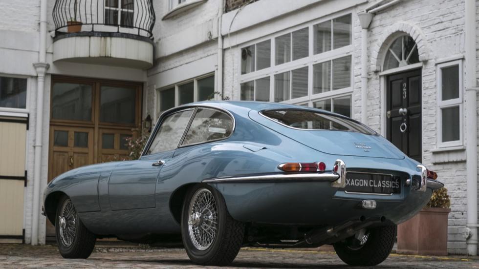 Jaguar E-Type FHC tres cuartos