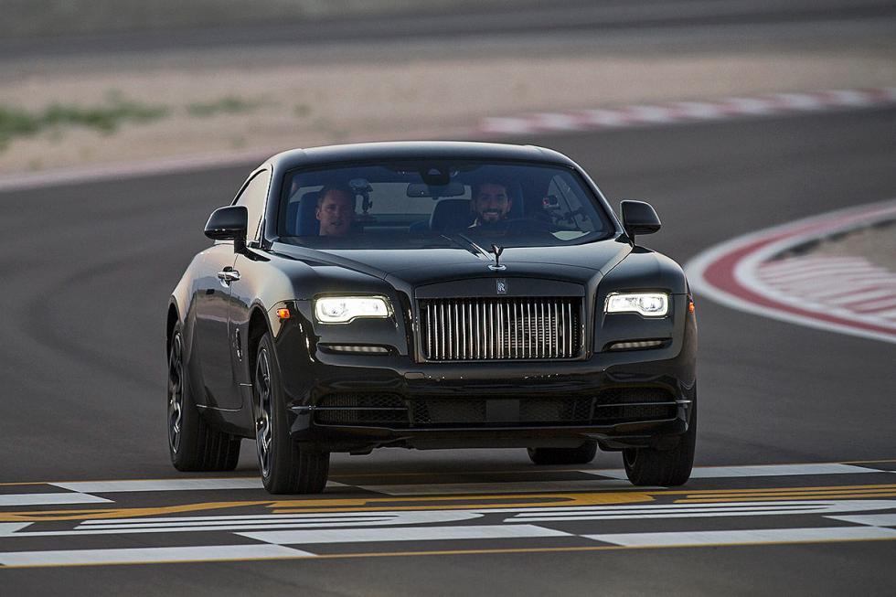 Prueba: Rolls-Royce Wraith/Ghost Black Badge faros encendidos