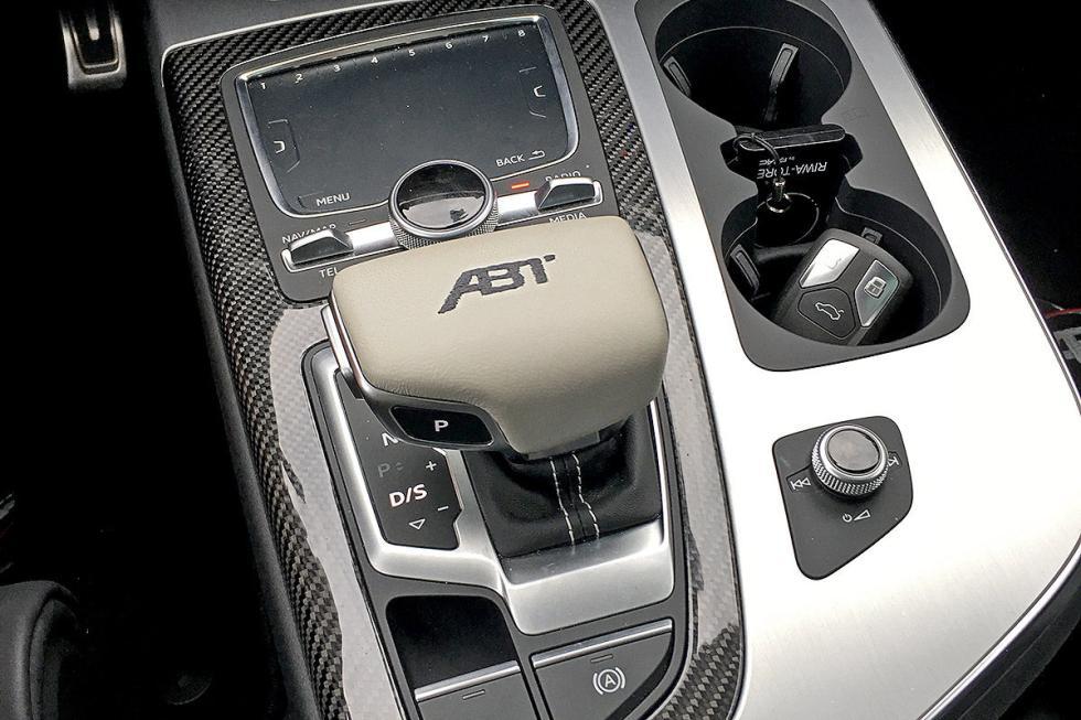 Prueba tuning: Abt-Audi QS7 detalle palanca