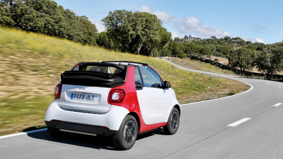Smart Fortwo Cabrio dinamica trasera