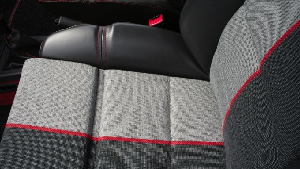 Peugeot 205 GTi 1989 tapicería