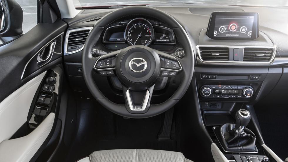 Nuevo Mazda3 2017 salpicadero
