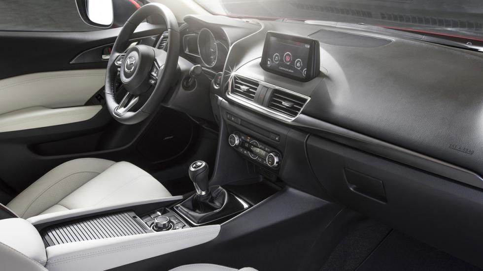 Nuevo Mazda3 2017 habitáculo